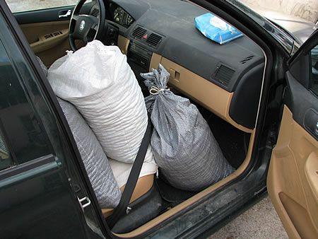 φόρτωμα αυτοκινήτου με ελιές 3