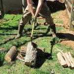 Ο σωστός τρόπος για να κόβεις ξύλα σε καυσόξυλα