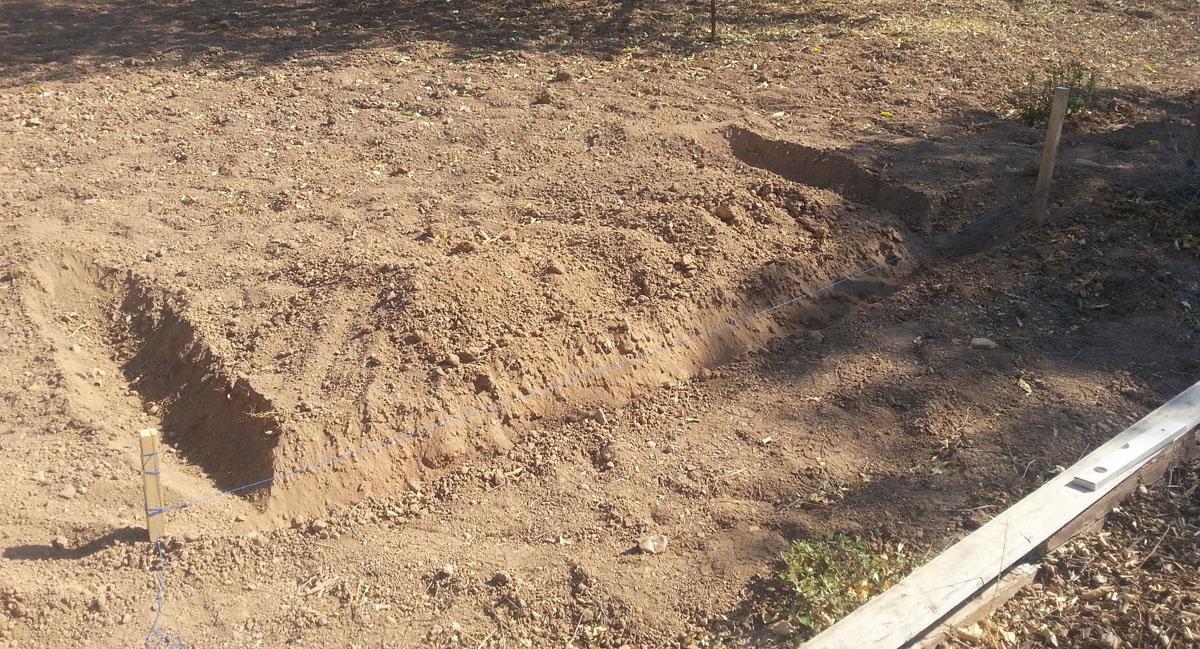 Σκάβουμε το χώμα σε σχήμα Π