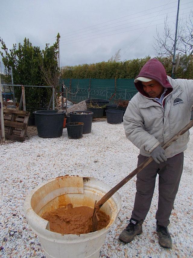 Φτιάχνουμε λάσπη