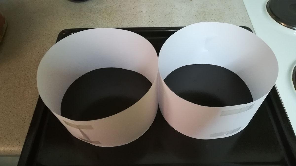 Οι φόρμες από χαρτί στο ταψί