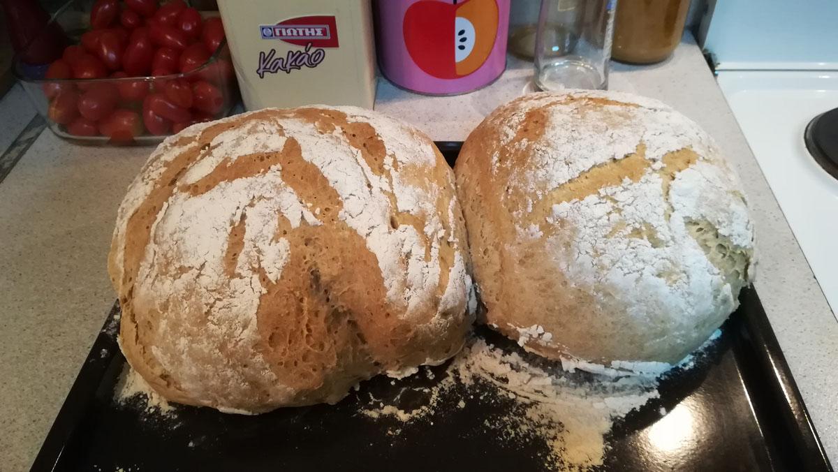 Σπιτικό ψωμί καρβέλι! Με ζύμη και χαρτί.